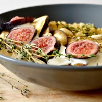 Boulgour - figues & aubergines rôties - Sauce au chèvre, thym et miel