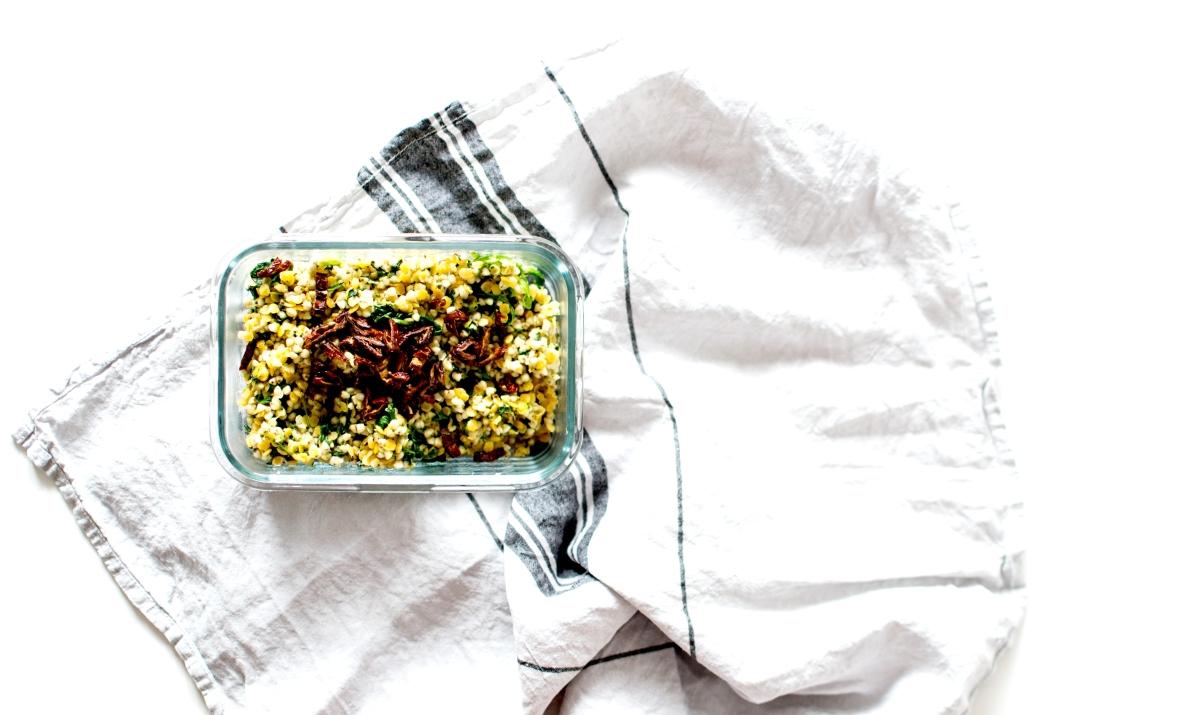 Idée Lunch box : Poêlée de  Sarrasin et Lentilles corail - Feta, épinards & tomates séchées