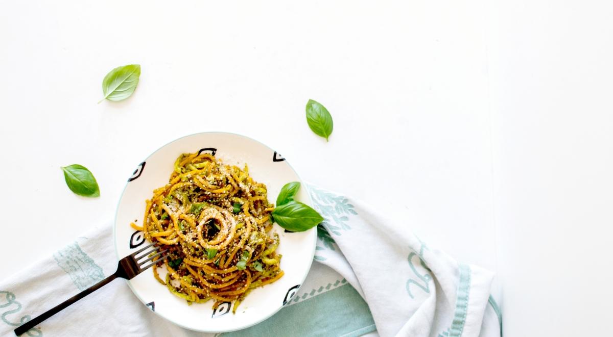 Spaghetti sautés de Patates douces & Panais - Basilic, Sésame & Parmesan