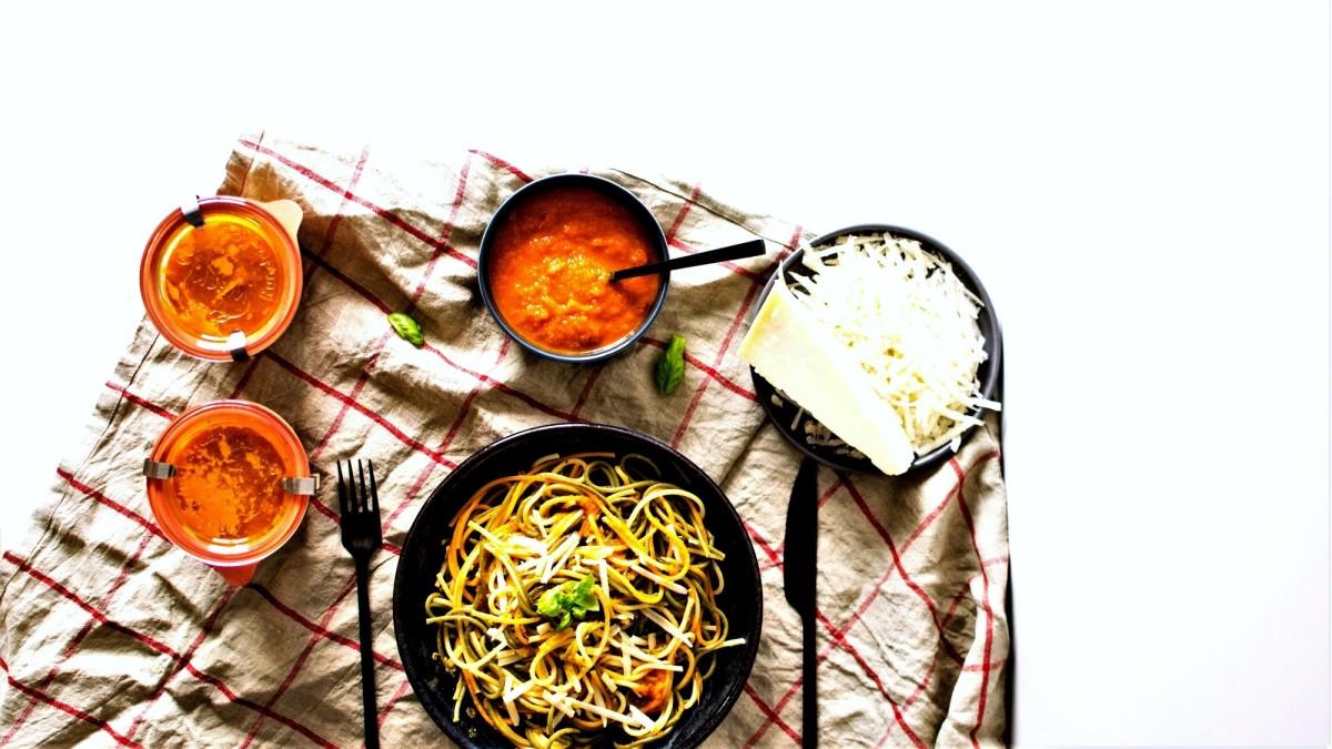 Sauce aux tomates et légumes rôtis